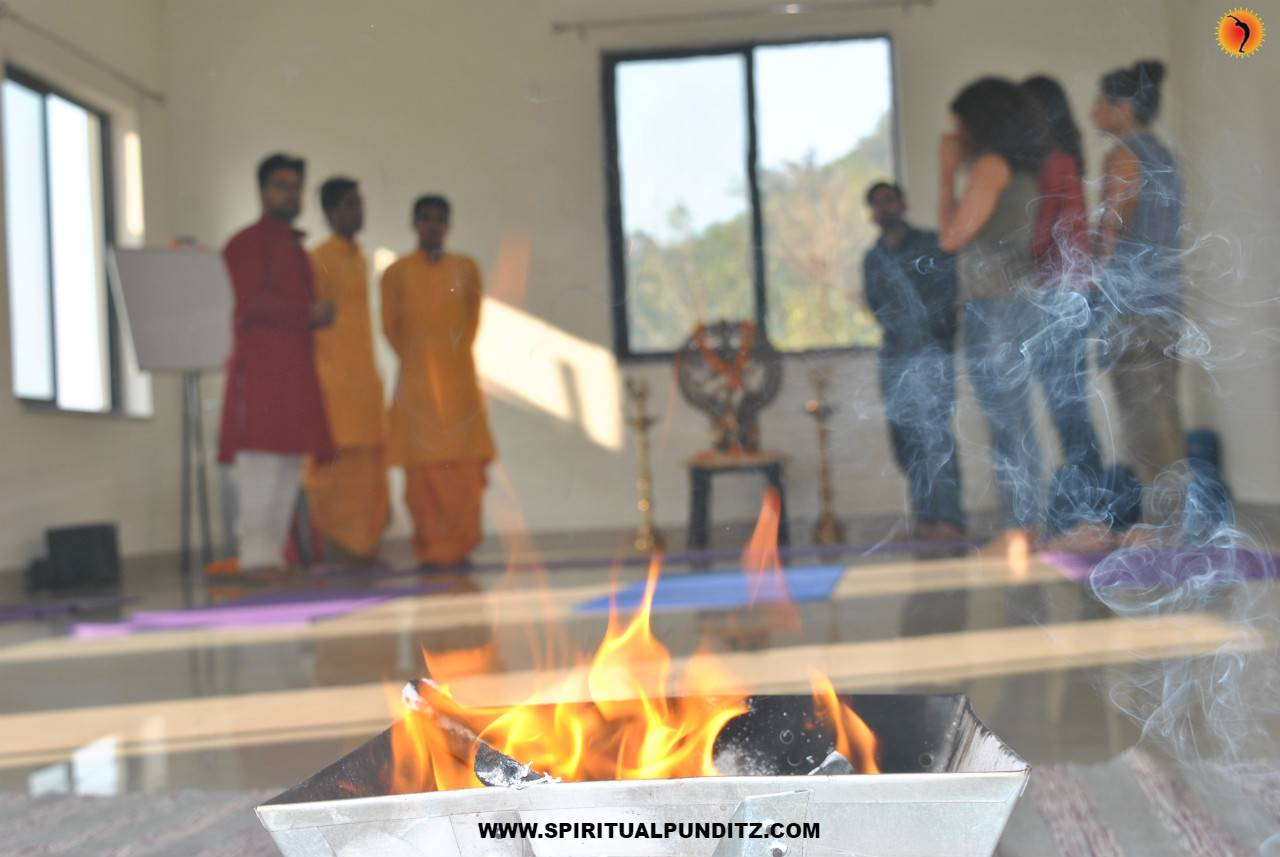 yoga school stay rishikesh