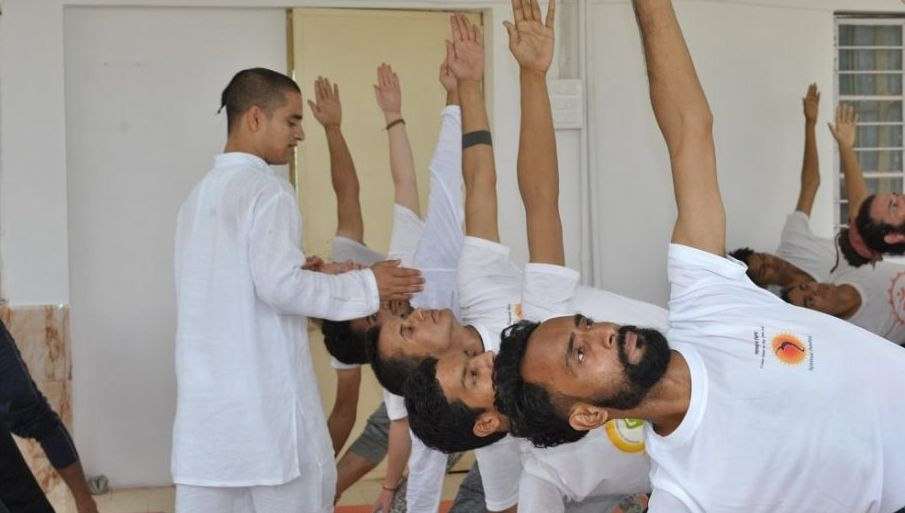 residential yoga courses in Rishikesh